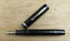 Sheaffer Large Flat Top White Dot Fountain Pen - Lifetime 14k Gold FINE Nib