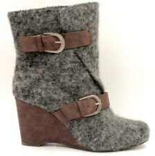 MUKLUKS Women Boots Size 9 Gray Wool Brown Leather