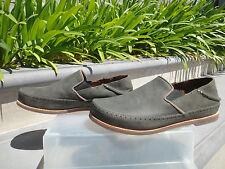 Olukai HONOLULU Nubuck Emma Howard Footbed, Aloha Style Mens Size US9M, $149.95
