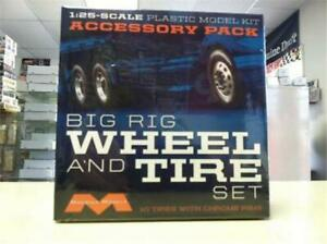 Moebius 1010 Big Rig Wheel & Tire Set