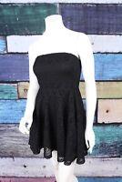 Express Medium Black Lace Stretch Flirty Boho Strapless Fit & Flare Skater Dress