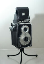 Halina-Prefect Twin Lens Reflex camera takes 120 Film Roll with Haking's Double