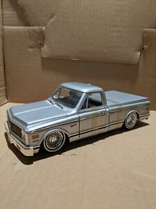 1972 Chevy Cheyenne Pick Up Truck Jada Dia Cast 1:24 Silver with wire wheels