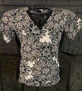 Peaches Nursing Scrub Top Gray Black Floral Pattern Women's M