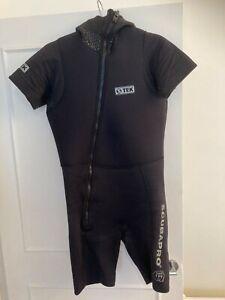Scubapro wetsuit mens medium with hood scuba 5mm snorkelling