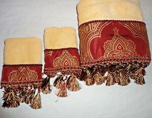 CROSCILL MAROON PAISLEY MEDALLION NUTMEG BEADED (3PC) SET BATH & HAND TOWELS