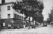 CPA -69-  LYON -  Rue Duquesne à l'angle de la rue Boileau.