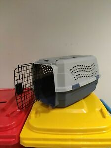 Pet Shipping/Transport Crate for small dog or a cat. Airline approved (53x30cm)