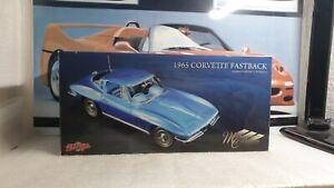 GMP MODELS - 1965 CHEVROLET CORVETTE  FASTBACK - 1/18 SCALE MODEL CAR