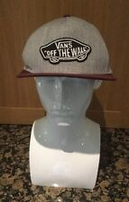 VANS OFF THE WALL CAP / GREY & BURGUNDY / BARELY WORN / GREAT CONDITION