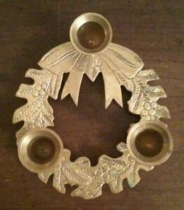 SOLID BRASS CHRISTMAS WREATH HOLIDAY 3 CANDLESTICK CANDLE HOLDER HOLLY BERRY BOW
