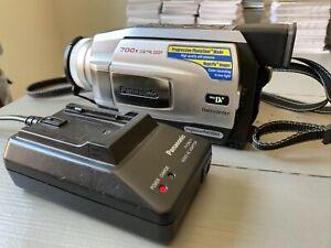 Panasonic PV-DV952D Mini DV Camcorder 700X Digital Zoom Vintage Video READ DESC.