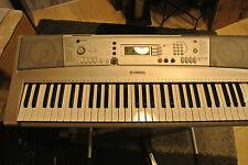 Keybord Yamaha PSR E 303 ! Komplet mit  Ständer - Tasche -  Midikabel -  Pedale