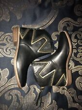 UGG LARS BLACK LEATHER STUD STARBURST ANKLE BOOTS BOOTIES US SIZE 7 WOMENS