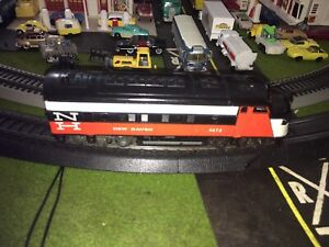 Tyco/Athearn HO Scale New Haven Pwrd A F Type Psngr 4 Car Set Lighted Running!