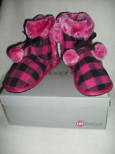 ROCKET DOG UNLEASHED 8 OR 9 PINK PLUSH CHECKERED FAUX FUR SLIPPER BOOTS RARE NWT