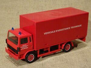 Solido véhicule pompier  Renault C  Véhicule d'assistance technique 1/50
