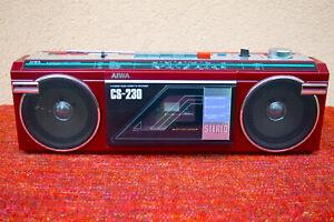 Aiwa CS 230 mini boombox. cassette player/radio combo in rare RED colour