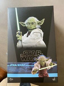 Hot Toys MMS495 Star Wars Episode II Attack of the Clones Yoda 1/6 New