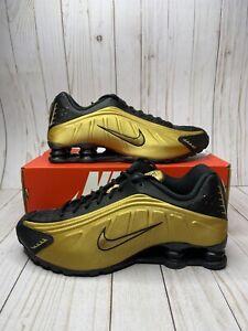 Nike Shox R4 Metallic Gold Black Mens Size 8 Fashion Sneakers 104265 702 New
