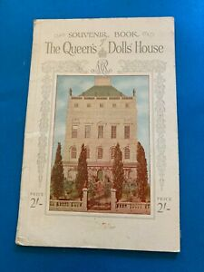 """1920's  """"THE QUEEN'S DOLLS' HOUSE"""" SOUVENIR BOOK (74 PAGES, LOTS OF PICTURES"""