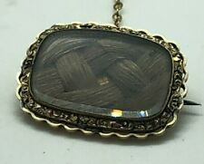 ANTIQUE GOLD CASED VICTORIAN MOURNING BROOCH / MOMENTO MORI  RARE COLLECTABLE