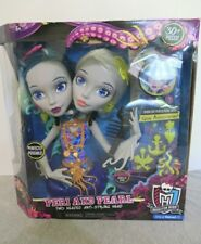 New Monster High Peri and Pearl Serpentine Styling Head 2 Headed Doll 30+ Pc Set