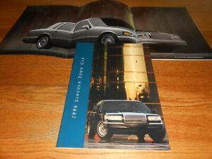 Mint! 2006 Lincoln Town Car  Deluxe Dealer Portfolio Sales Brochure
