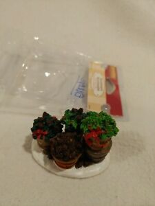 Lemax Pinecones & Holly 64470 Accessory 2006