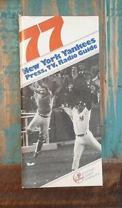 CHAMBLISS MUNSON AL CHAMPS COVER ~ NEW YORK YANKEES ~ 1977 BASEBALL MEDIA GUIDE