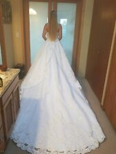 Wedding dress, size 6 WHITE Forever Yours with a tail