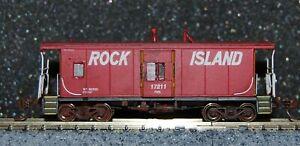 Athearn N scale RI-Rock Island Bay Window Caboose #17211 w/ added window details