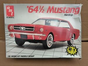 AMT '64 1/2 Ford Mustang Hardtop 1:16 Scale 2 n 1 Kit 6722-11DO Some Sealed Part