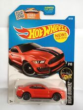 Hot Wheels    Ford Shelby GT350R - red and black