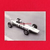 """original Foto Sachsenring 1965 """"Heinz Melkus"""" DDR Wartburg 4. Platz Rennfahrer"""
