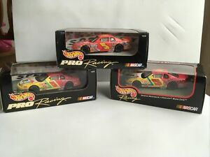 Terry Labonte Hot Wheels Pro Racing 1/43 scale diecast Nascar