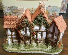 Vintage Hand Crafted & Painted David Winter Cottages The Apothecarys Shop (1985)