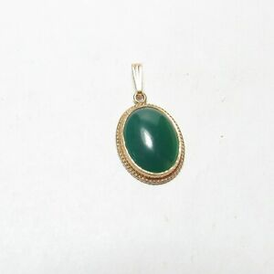 1940s Vintage 9K Yellow Gold 3.60 Ct Natural Oval Green Chrysoprase Pendant