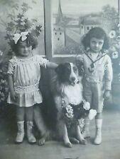 cpa chien fille enfant postcard antique dog child cartolina cane bambino AK hund