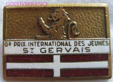 SK1545 -  INSIGNE badge SKI GRAND PRIX INTERNATIONAL DES JEUNES ST GERAVIS