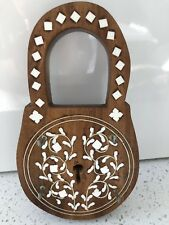 Unwanted Gift - Wooden Key Holder with Inlaid Floral Patterns