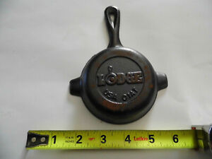 Vintage Cast Iron Mini Skillet Ashtray 01AT. new with paper