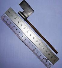 Kaustic plastique échelle 1/6th roman metal axe-marcus