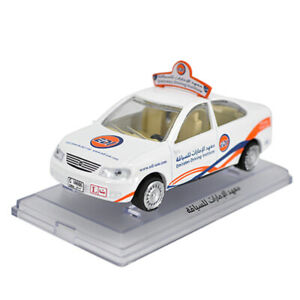 1:43 Scale Nissan Sunny Dubai Taxi Cab Model Car Diecast Gift Collection White