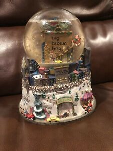 """Bloomingdales """"Big Brown Bag"""" Snow Globe With Twin Towers RARE-Read Description"""
