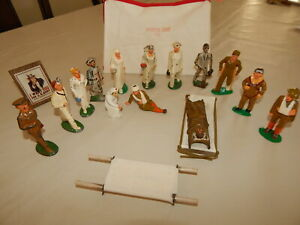 Dimestore 14 Toy Soldiers Medical Team Hospital from Grey Iron, Manoil, Barclay