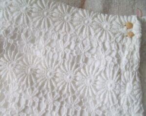 ZARA Woman White Daisy Design Shorts Side Pockets Lined Size EUR XS 100% Cotton