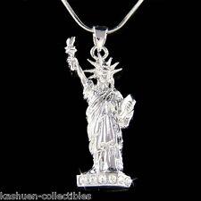w Swarovski Crystal New York NYC Statue of Liberty Souvenir Necklace Jewelry New