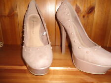 Ladies high heel shoe size 5  Nude.Ideal for a wedding.