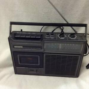 Radio-cassette player Toshiba RT-2130 color black used Made in Japan junk item